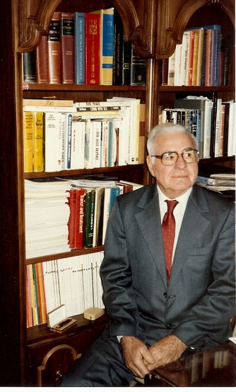 Dr. James E. Holmes, Dec. 1982