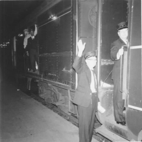southern_conductor_waving1